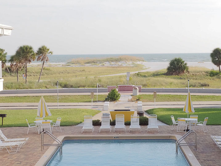 Convenient access to the beach makes The Sands of Treasure Island a convenient place to stay.